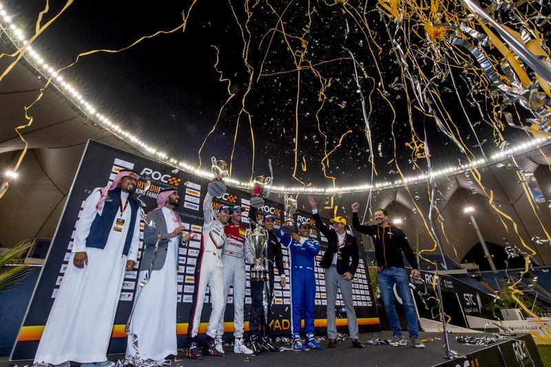 Podyum: Uluslar Kupası şampiyonlaru Timo Bernhard, René Rast, 2. Juan Pablo Montoya, Helio Castroneves