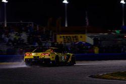 #3 Corvette Racing Chevrolet Corvette C7.R, GTLM: Antonio Garcia, Jan Magnussen, Mike Rockenfeller rain