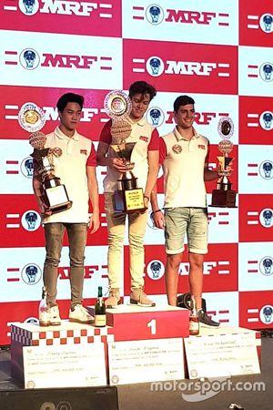 Juara umum MRF Challenge 2017-18 ,Felipe Drugovich; Vice-champion, Presley Martono; Peringkat ketiga
