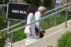 Bernie Ecclestone y Fabiana Ecclestone (BRA)