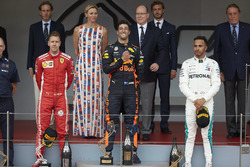 Podium: second place Sebastian Vettel, Ferrari, Race winner Daniel Ricciardo, Red Bull Racing, third place Lewis Hamilton, Mercedes AMG F1