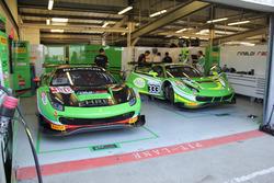Rinaldi Racing garage