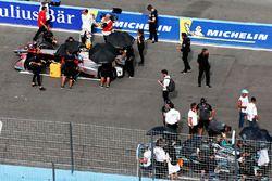 Edoardo Mortara, Venturi Formula E Team, Nelson Piquet Jr., Jaguar Racing, on the grid