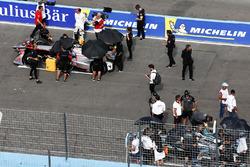 Edoardo Mortara, Venturi Formula E Team, Nelson Piquet Jr., Jaguar Racing, in griglia