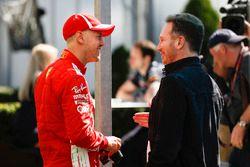 Stoffel Vandoorne, McLaren, ve Christian Horner, Takım Patronu, Red Bull Racing