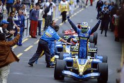 Победитель гонки Джанкарло Физикелла, Renault F1 Team R25
