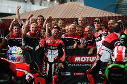 2. Chaz Davies, Ducati Team; 3. Marco Melandri, Ducati Team