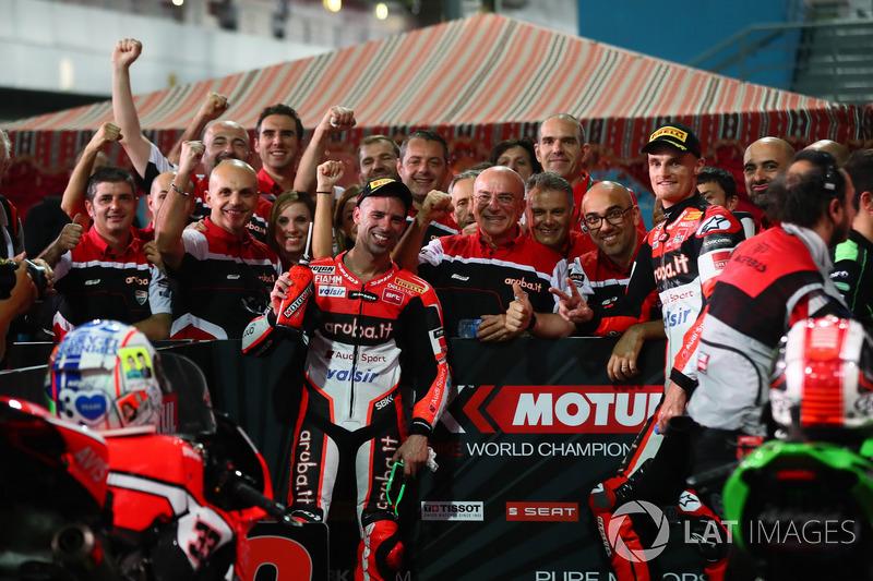 Marco Melandri, Ducati Team, Chaz Davies, Ducati Team nel parco chiuso