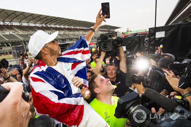 2017 World Champion Lewis Hamilton, Mercedes AMG F1