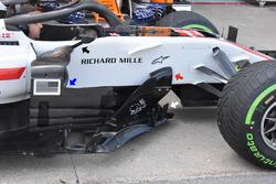 Haas F1 Team VF-18, suelo y barge board