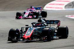 Romain Grosjean, Haas F1 Team VF-18, Sergio Perez, Force India VJM11