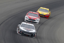 Kevin Harvick, Stewart-Haas Racing, Ford Fusion Jimmy John's, Ryan Blaney, Team Penske, Ford Fusion DEX Imaging e Joey Logano, Team Penske, Ford Fusion Shell Pennzoil