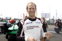 #17 KÜS Team75 Bernhard Porsche GT3 R:Jörg Bergmeister