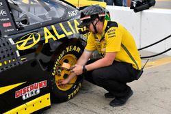 Brad Keselowski, Team Penske, Ford Fusion Alliance Truck Parts miembros del equipo