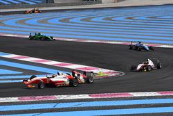 Jack Doohan, Van Amersfoort Racing BV, e Gianluca Petecof, Prema Theodore Racing, contatto