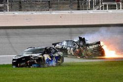 Crash: William Byron, Hendrick Motorsports, Chevrolet Camaro Liberty University, Jamie McMurray, Chip Ganassi Racing, Chevrolet Camaro Cessna
