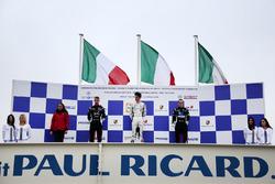 Podio Gara 2: il secondo classificato Diego Bertonelli, Dinamic Motorsport, il vincitore Alessio Rovera, Tsunami RT, il terzo classificato Tommaso Mosca, Tsunami RT