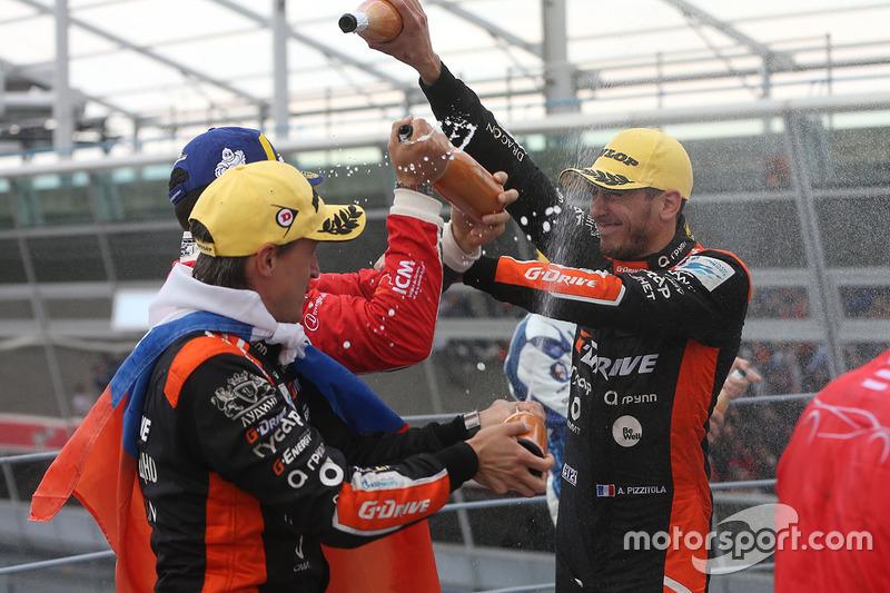 LMP2 podium: race winner #26 G-Drive Racing Oreca 07 - Gibson: Andrea Pizzitola
