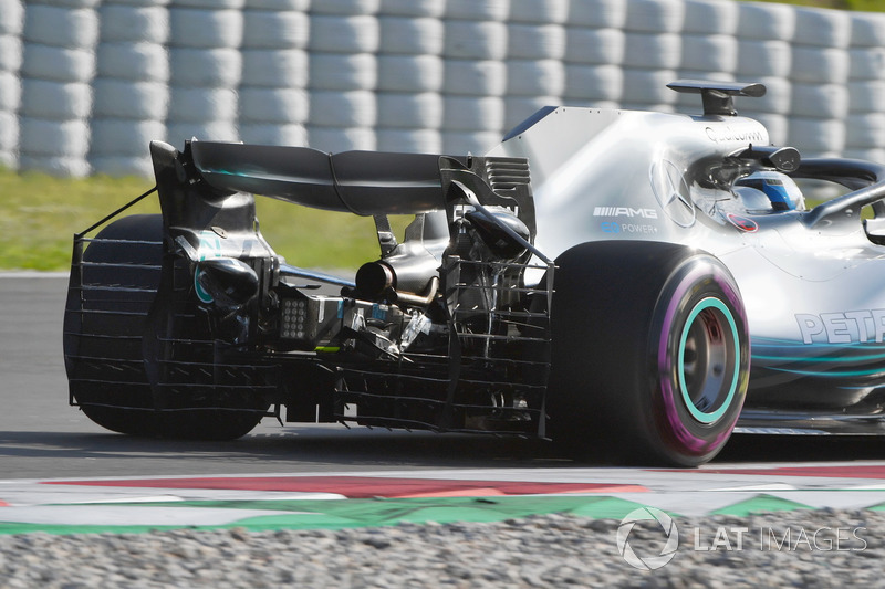 Valtteri Bottas, Mercedes-AMG F1 W09 con sensores aerodinámicos en el alerón trasero