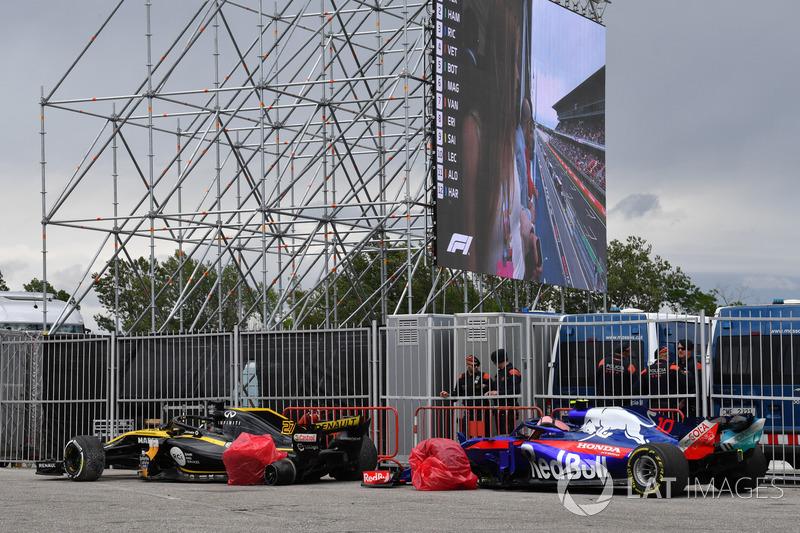 Los autos de Nico Hulkenberg, Renault Sport F1 Team R.S. 18 y Pierre Gasly, Scuderia Toro Rosso STR13