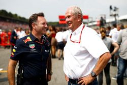 Christian Horner, Team Principal, Red Bull Racing, and Helmut Markko, Consultant, Red Bull Racing