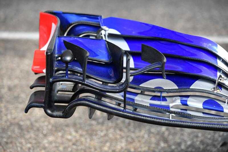 Scuderia Toro Rosso STR13 front wing detail