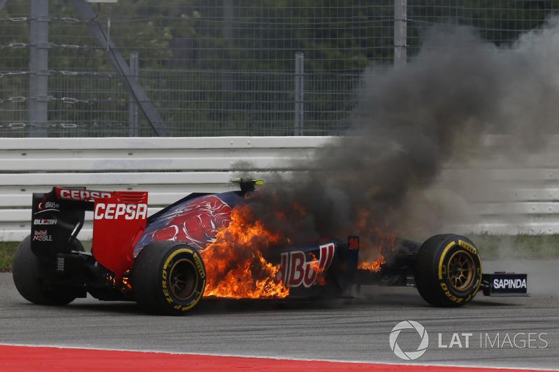 2014 год. Возгорание по ходу гонки