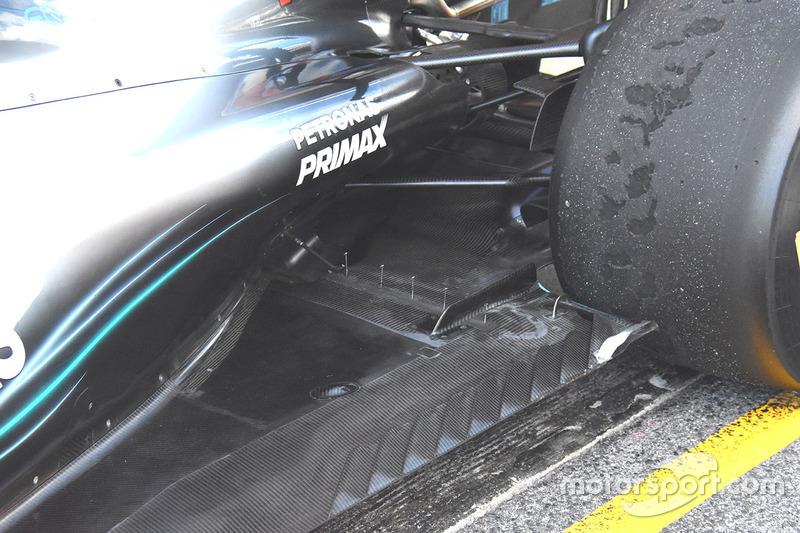 Датчики на днище Mercedes F1 W09