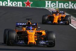 Fernando Alonso, McLaren MCL33 and Stoffel Vandoorne, McLaren MCL33