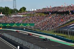 Valtteri Bottas, Mercedes-AMG F1 W09 leads Sebastian Vettel, Ferrari SF71H