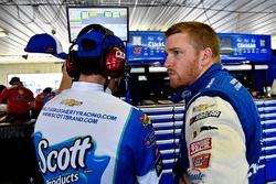 Chris Buescher, JTG Daugherty Racing, Chevrolet Camaro Kleenex Wet Wipes and Trent Owens