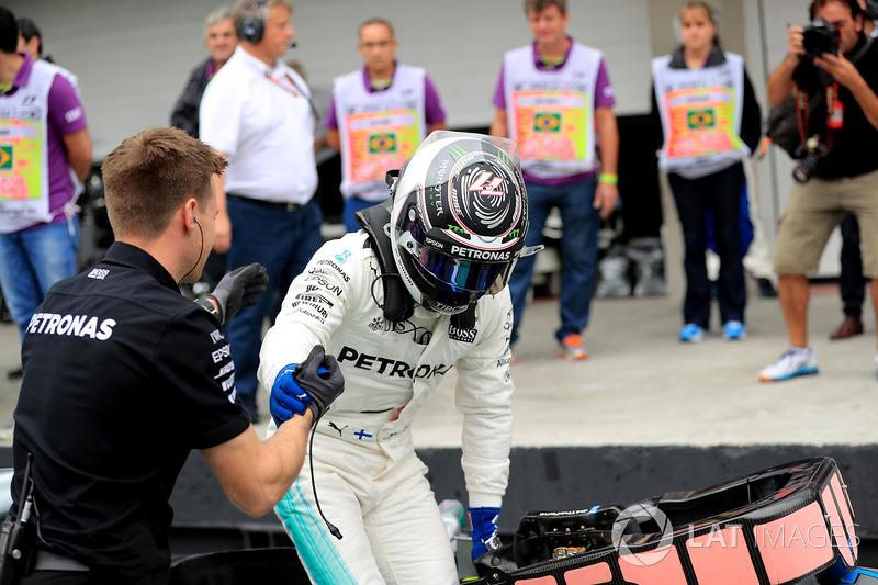Il poleman Valtteri Bottas, Mercedes-Benz F1