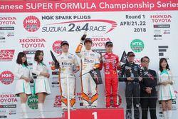 Podium: Race winner Sho Tsuboi, TOM's, second place Ritomo Miyata, TOM's, third place Sena Sakaguchi, TODA FIGHTEX