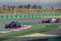 Pierre Gasly, Scuderia Toro Rosso STR13 et Brendon Hartley, Scuderia Toro Rosso STR13 se percutent