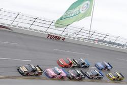 Myatt Snider, Kyle Busch Motorsports Toyota, Johnny Sauter, GMS Racing Chevrolet