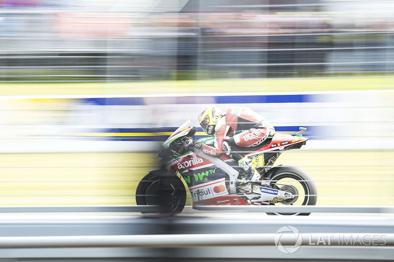 "<img src=""http://cdn-1.motorsport.com/static/custom/car-thumbs/MOTOGP_2017/BIKES/Aprilia.png"" width=""80"" /> Aprilia Racing Team Gresini"
