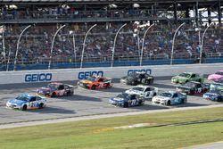 Ryan Blaney, Wood Brothers Racing Ford, Denny Hamlin, Joe Gibbs Racing Toyota, Chase Elliott, Hendri