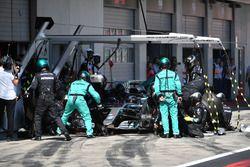Lewis Hamilton, Mercedes-AMG F1 W09 au stand