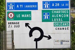 Le Mans signage