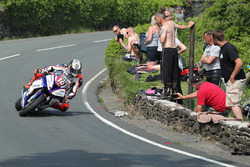 Peter Hickman approaching The Gooseneck