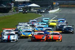 Largada da Porsche em Curitiba