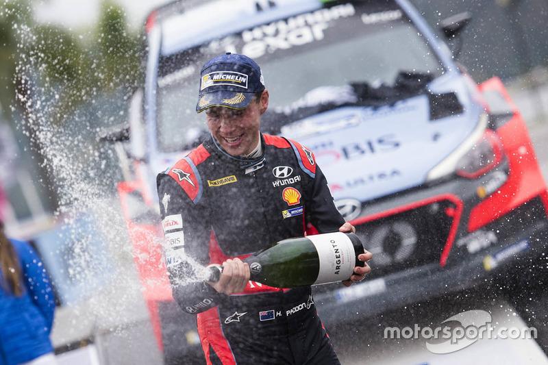 Winner Hayden Paddon, Hyundai Motorsport