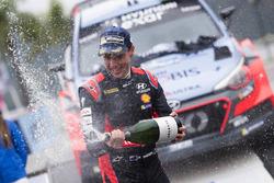 Le vainqueur Hayden Paddon, Hyundai Motorsport