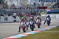 Michael van der Mark, Honda WSBK Team e Sylvain Guintoli, Pata Yamaha