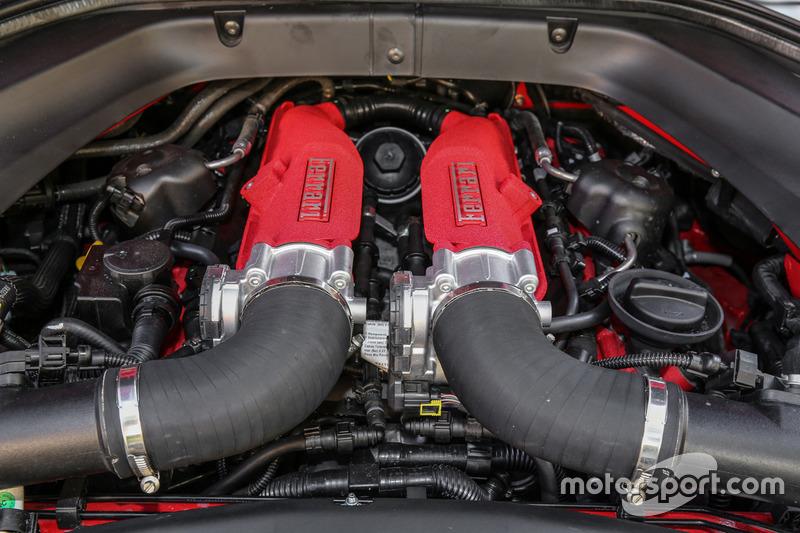 Ferrari California T Hs Motor Bei Im Test Ferrari California T Hs