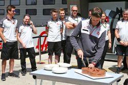 Romain Grosjean, Haas F1 Team fête son anniversaire avec l'équipe