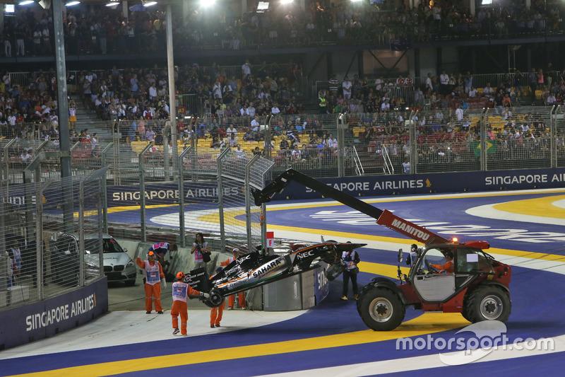 La Sahara Force India F1 VJM09 di Nico Hulkenberg, Sahara Force India F1 viene rimossa dal circuito