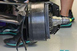 Mercedes AMG F1 W07 Hybrid, il cestello dei freni