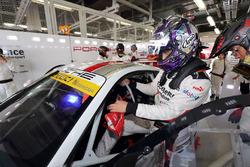 #33 Excellence Porsche Team KTR Porsche 911 GT3-R: Yuya Sakamoto