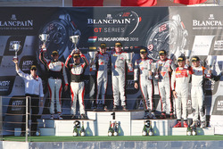 Podium: winnaars #33 Belgian Audi Club Team WRT Audi R8 LMS: Enzo Ide, Christopher Mies, tweede #88